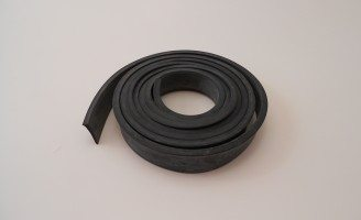 A1070BWR: 30-31 Windshield Rubber Seal